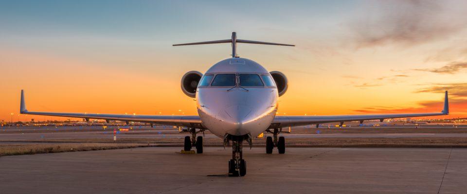 IMG_DFW_CRJ-700_January_2017_Sunrise-2