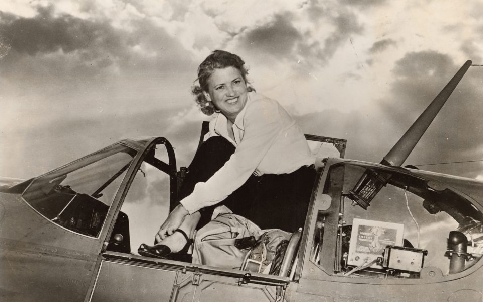 COCHRAN, Jacqueline, in the cockpit of her North American Aviation P-51B-15-NA Mustang NX28388, AAF 43-24760, c/n 104-25789, #13, at Cleveland Municipal Airport. (Image Number: SI-86-533, National Air and Space Museum Archives, Smithsonian Institution)